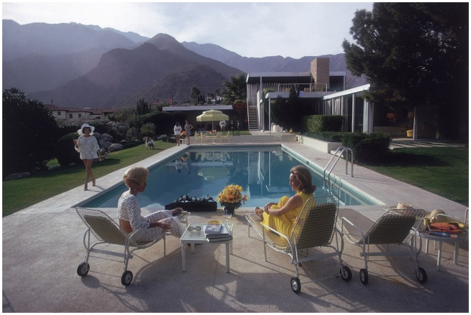 The Kaufmann House 'Poolside Gossip' Palm Springs 1970, Photo Slim Aarons, Architect Richard Neutra