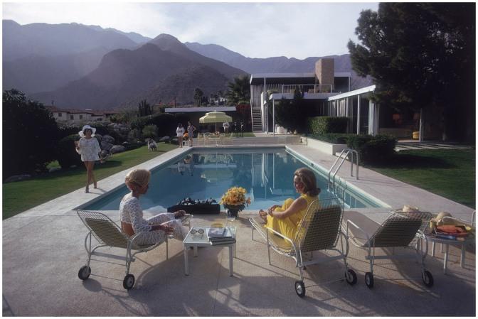 The Kaufmann House 'Poolside Gossip' Palm Springs 1970, Photo Slim Aarons, Architect Richard Neutra
