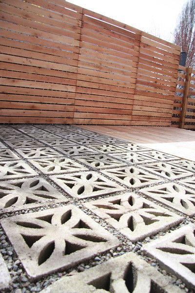 Decorative Cement Blocks : Decorative concrete blocks in the modern landscape grass