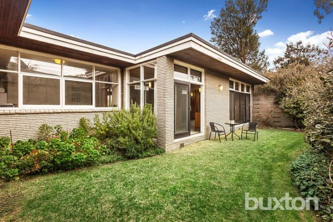 132 Tramway Pde, Beaumaris VIC